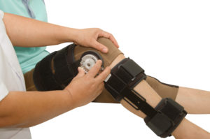 knee injury lawyers edmonton - knee brace